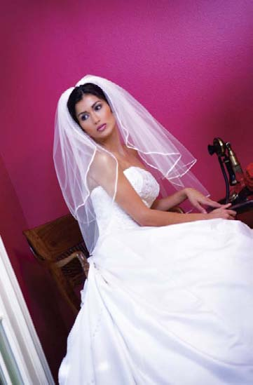 poses_for_photographing_brides_akanjee_0203