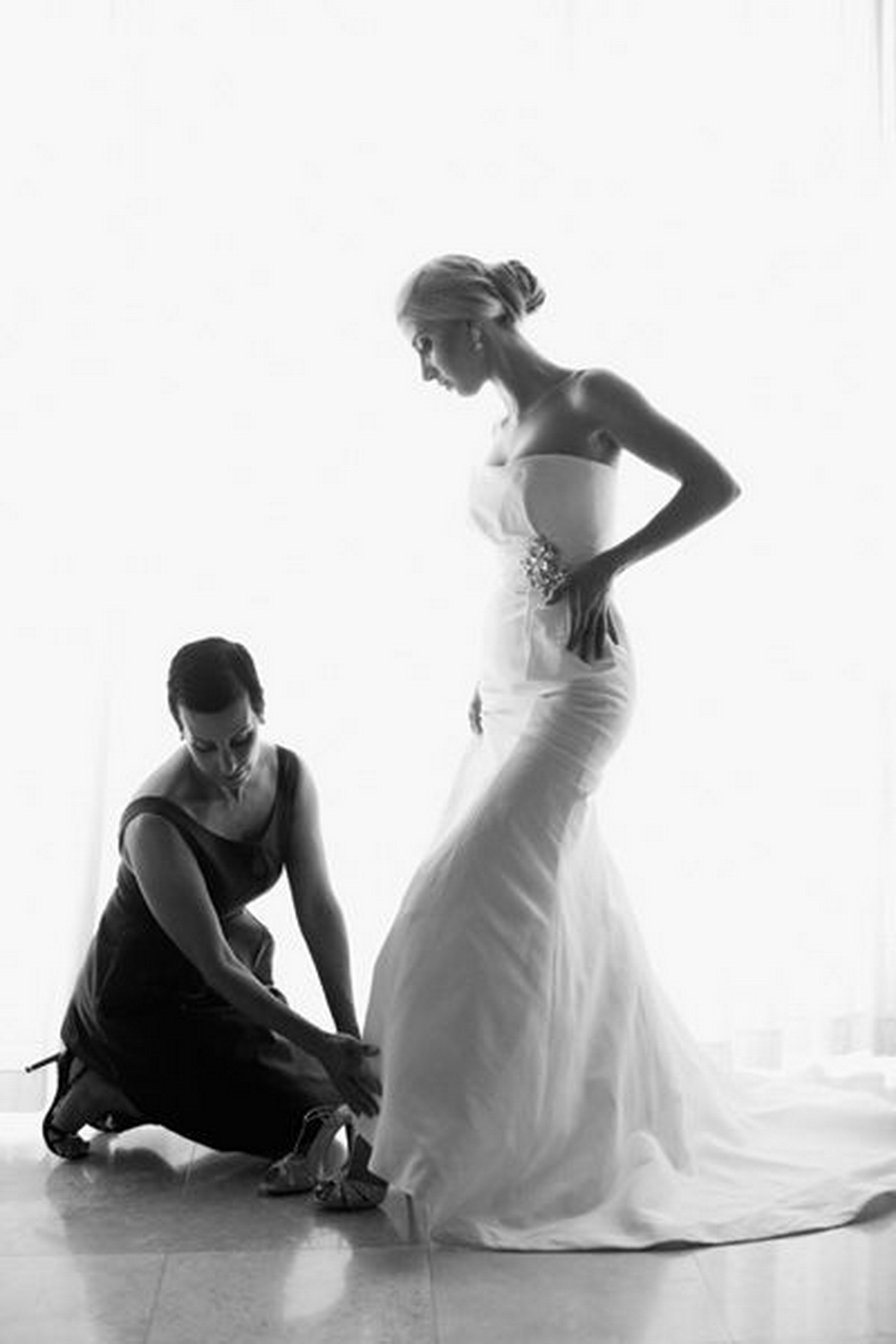 bride-groom-poses-akanjee_moodboard0004