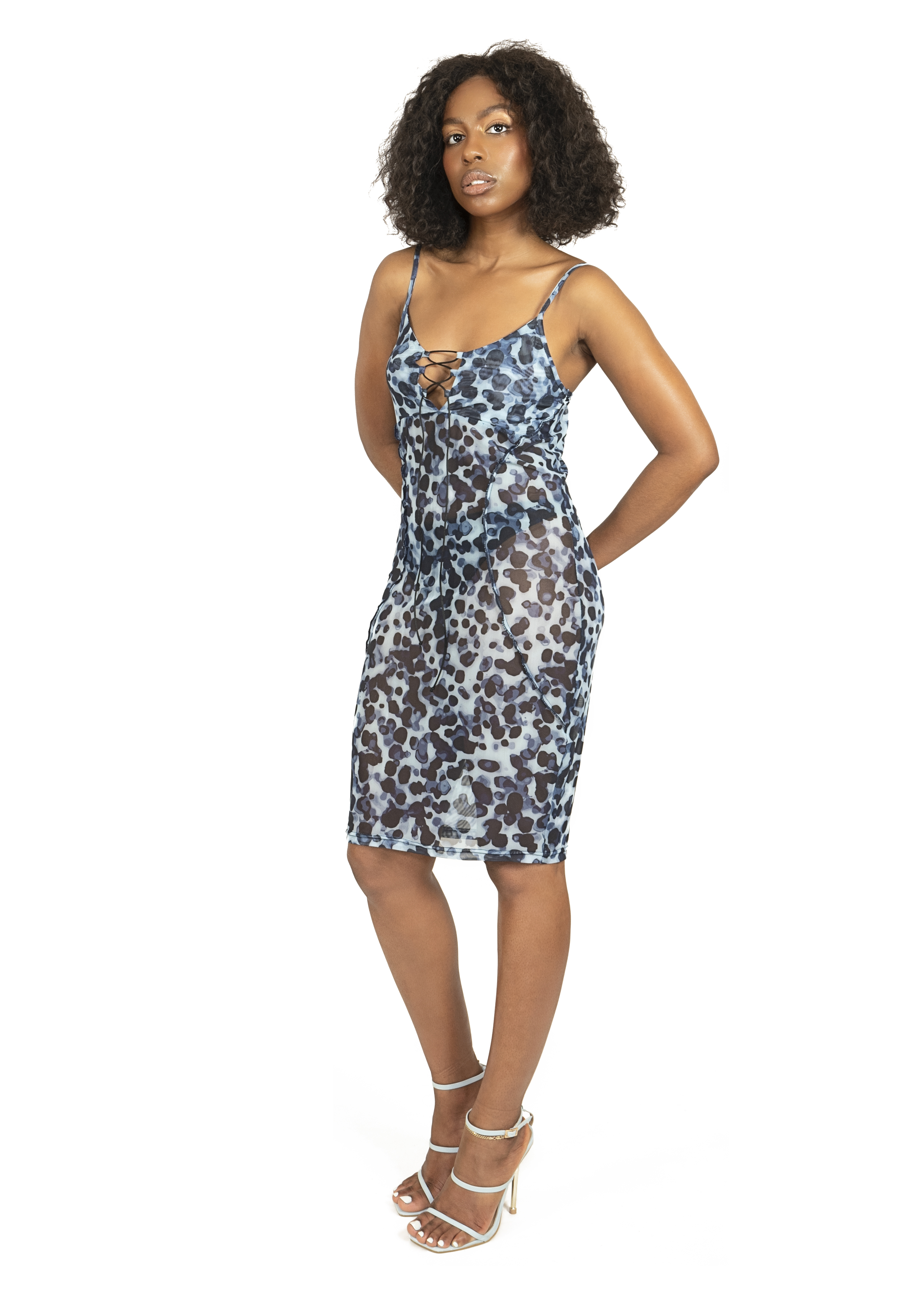 Dress_cloths_garments_product_photos_with_model_20